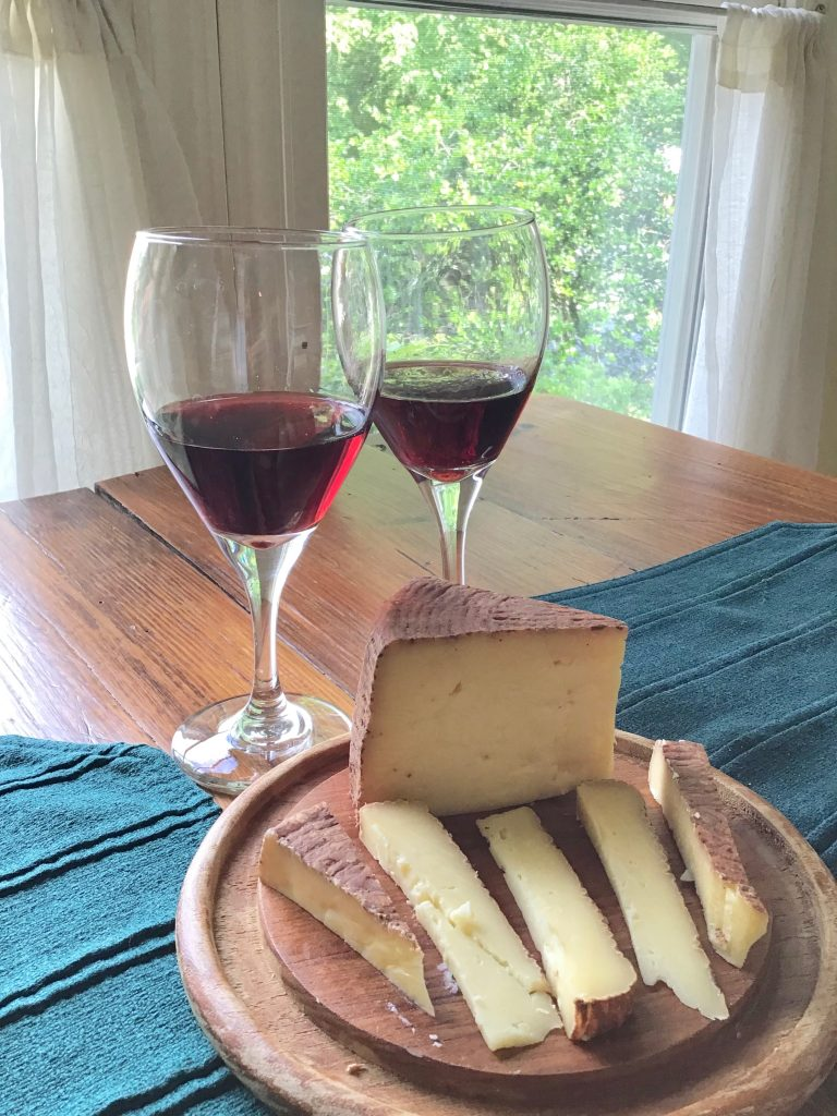 JAQK Cellars Pinot Noir with Looking Glass Creamery Chocolate Lab 2