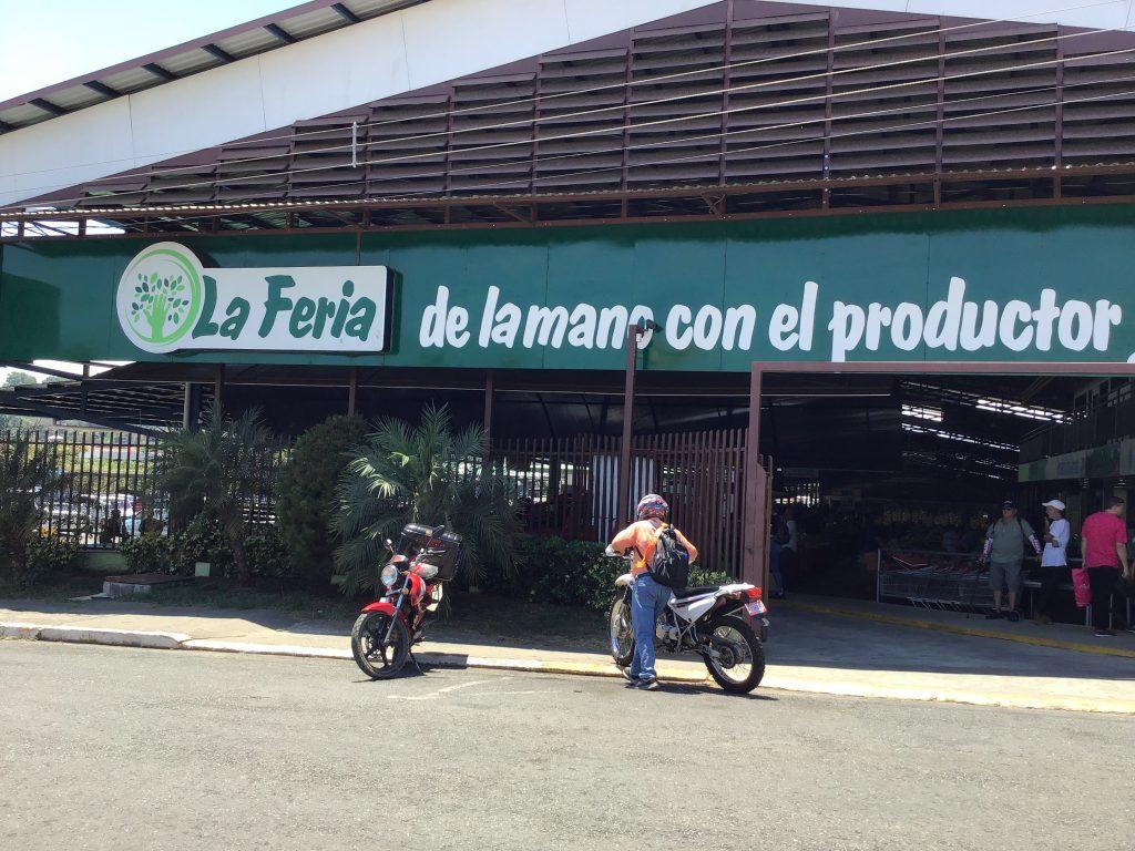 La Feria farmer's market in Perez Zeledon, CR