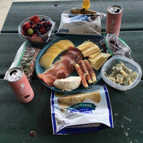 Barefoot Spritzer Rosé on a picnic